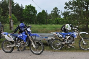 Maria and Alo finished moto-orient competition gravel class at Saaremaa island