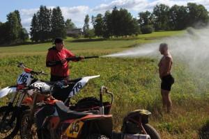 Washing bikes and mens